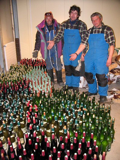 [FrozenWine.jpg] The despair is clearly visible on the faces of the discoverers of the tragedy right after it struck: first week of the winterover and all our bottles of wine are found frozen, corks pushed out by the ice. Will we be able to survive the winter ?!?