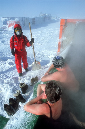 [MelterBath2.jpg] Yes, we are crazy and we enjoy it. Outside temperature: -65°C, requires special survival gear. Water temperature: way too hot to stay inside more than a minute, requires bikini. The only question left to solve is: how do you get in and how do you get out without freezing your butts off ?!?