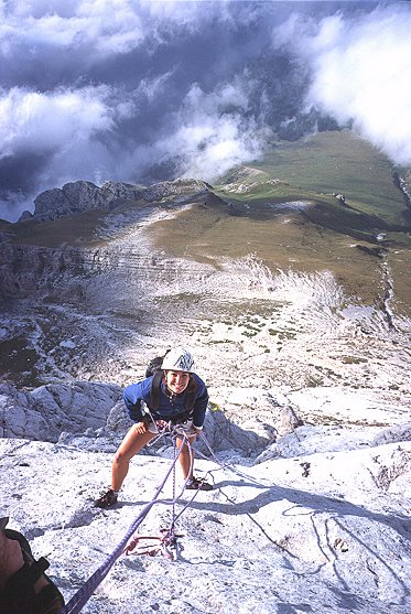 [Meridionalizziamoci.jpg] One day while climbing in Grand Sasso, I saw climbers on a slabby pillar that looked so pure, I decided to go climb it the very next day, although the route wasn't in the guidebook, I had no idea of its level and I was alone... I loved it. Same story for the girl, with minor variations to the story... Gran Sasso remains on of my favorite spots ever.