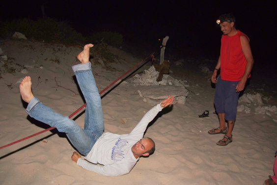 [20081008_235657_DrunkSlacklining_.jpg] Slacklining is hard. Slacklining at night is harder (no visual reference). Slacklining at night after 3 salad bowls of rum is... well, whatever, but you can see the results here.