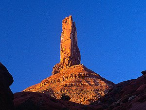 [CastletonSunset.jpg] Castleton tower, the most classical desert tower