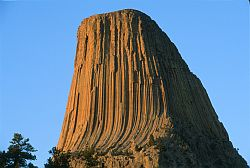 [DevilTowerSouthFace.jpg] South face of Devil's Tower