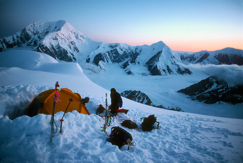 [HunterHighCamp2.jpg] One of the best souvenirs from Alaska: setting up the tent on the ridge of Mt Hunter in perfect weather with to crazy aussies, after a successful climb of Denali.