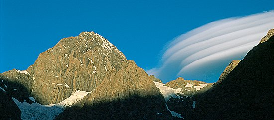 [MalteBrunSunsetCloud.jpg] Sunset lenticular cloud formation on Malte Brun, New Zealand.